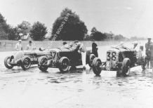 Bentley Blower 4.5 litre x3 cars at Brooklands 1930 BRDC 500 Miles race. Photo